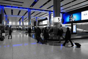 baggage-hall-775540_640