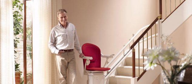 Installer un fauteuil monte escalier