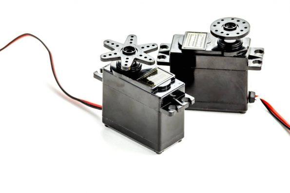 Micro moteurs et systèmes d'entraînement