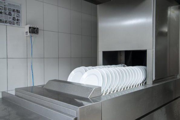 lave-vaisselle-professionnel-2